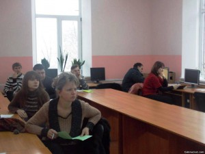 90100176 300x225 - Семінар-тренінг для вчителів інформатики