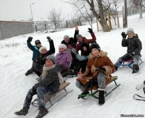 89732889 300x243 - Зимові розваги учнів 1(5)А
