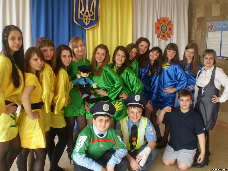 61870922 - 23 березня у м.Хмельницький відбулися фінальні змагання серед команд веселих та кмітливих юних інспекторів руху (КВН-ЮІР 2012)