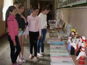 17346370 300x225 - Виставка учнівських робіт (об'єктів) та ярмарка – продаж