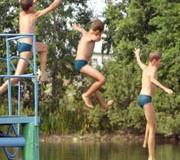 voda 180x160 - Під час канікул є нещасні випадки під час відпочинку біля води