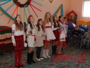 DSC01091 300x225 - Подаруй радість дітям