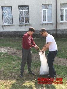 51jZuZ13NUs 225x300 - Весняний суботник у Городоцькій гімназії