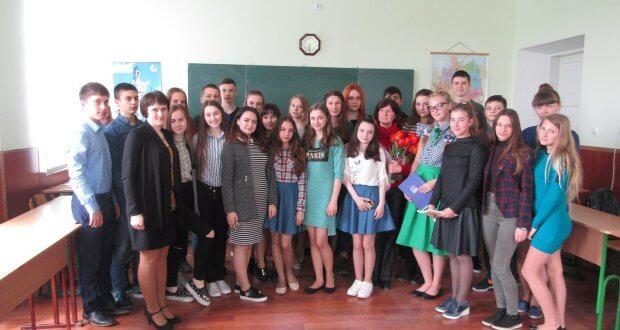 phpBrislCkc 620x330 - Зустріч творчих учнів гімназії з письменницею Валентиною Колядою