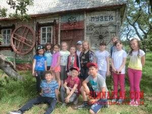 CIMG6707 300x225 - Літній відпочинок учнів 1(5)Б класу