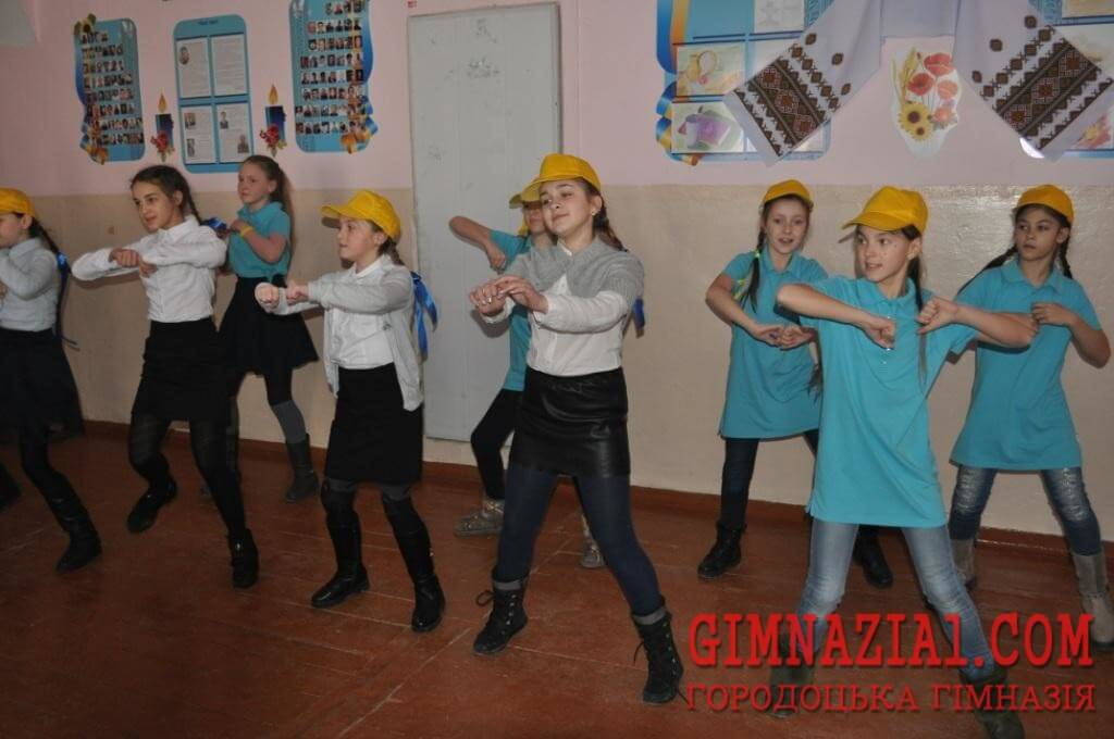 DSC 0032 - Тиждень української культури у гімназії